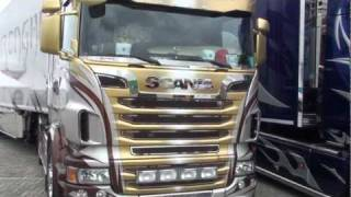 getlinkyoutube.com-Scania's R620 V8 Valcarenghi italië