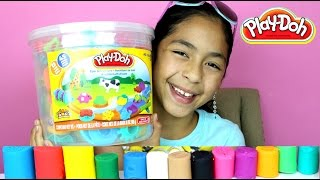 getlinkyoutube.com-Tuesday Play Doh Huge Play Doh Bucket Adventure Zoo|B2cutecupcakes