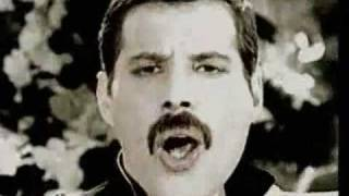 getlinkyoutube.com-Freddie Mercury - Living On My Own