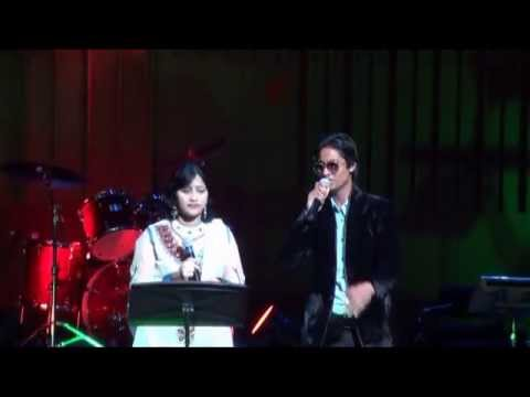On Udit Narayan Concert Day Adnan & Priya Singing song of Movie Dabang 2