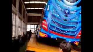 getlinkyoutube.com-ทดสอบลาดเอียงรถบัส 30 องศา