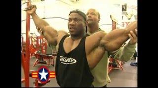 getlinkyoutube.com-Dexter Jackson Shoulders & Arms Workout For 2001 Mr. Olympia