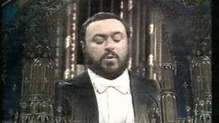 getlinkyoutube.com-Luciano Pavarotti - Montreal - 1978 - Panis Angelicus (César Franck)