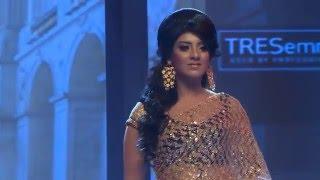 getlinkyoutube.com-ফ্যাশন শোতে মডেল ও অভিনেত্রী মৌ Sadia Islam Mou