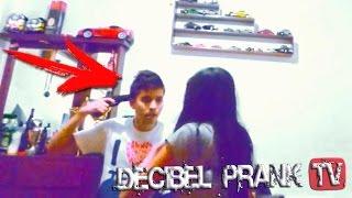 "getlinkyoutube.com-BROMA CON PISTOLA A MI EX NOVIA ""Vamos a Morir Juntos"" | Girlfriend Prank"