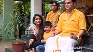 getlinkyoutube.com-Navya Nair and family Sharing Onam experience with Asianet News