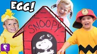getlinkyoutube.com-World's Biggest SNOOPY Dog House! The PEANUTS Movie Toys Charlie Brown HobbyKidsTV