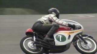 getlinkyoutube.com-Honda RC166 (1966) - 6-Cylinder 250cc GP Racer