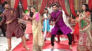 "getlinkyoutube.com-Veera And Baldev Dance On The Tunes Of ""Delhi Wali Girlfriend"""