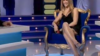 getlinkyoutube.com-Lorie Super Sexy Chez Cauet / Decollete / sexy legs