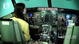getlinkyoutube.com-An amateur trying to land a Boeing 737 CL -- Baltic Aviation academy