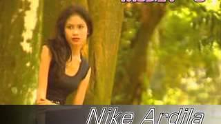Nike Ardilla - Mengapa harus berpisah width=
