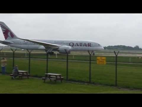 Qatar Boeing 787 Dreamliner at Manchester Airport 19/05/2013