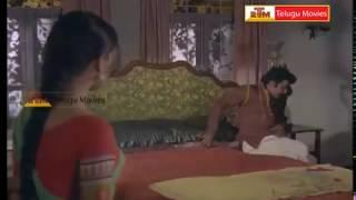 getlinkyoutube.com-Rowdy Trying to Rape Rathi - In Oorikokkadu Telugu Movie