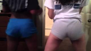 getlinkyoutube.com-us twerking to shake that monkey
