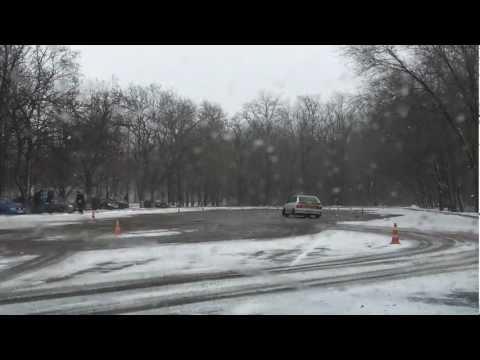 2013.03.24 - ВАЗ 2113 Вова - 1 - Слалом adrenalinetime.info