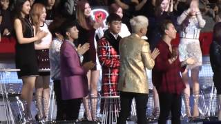 getlinkyoutube.com-MAMA 2015 - BIGBANG and SNSD (GD copying Taeyeon at the end)