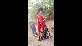 इस लड़की की हिम्मत देखकर आप हैरान हो जाएंगे Marwadi Girl Village Outside Beer Cartoons width=
