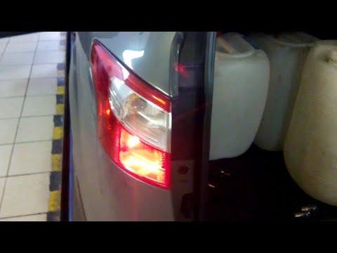 Как снять задний фонарь и поменять лампочку на форд фокус 3 2018