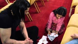 getlinkyoutube.com-الممثله خواطر العيد تسوي خدعه لـ أحمد البايض 21-3-2013