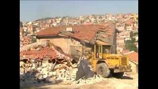 getlinkyoutube.com-Разрушаване на незаконни ромски къщи в Стара Загора