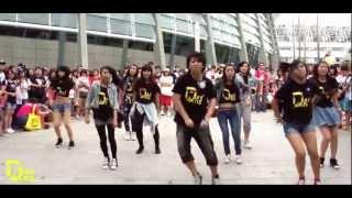 getlinkyoutube.com-130720 少女時代三巡場外宣傳 SNSD(소녀시대) _ Into The New World + I Got a Boy Dance Cover by DAZZLING from Taiwan