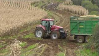 getlinkyoutube.com-Maize 2011 - Tractors in Trouble!  + Two Foragers Together!