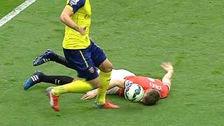 getlinkyoutube.com-WORST DEFENDER MISTAKES IN FOOTBALL!!
