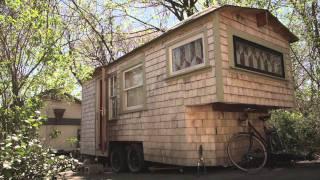 getlinkyoutube.com-Tiny Yellow House - Sage's Gypsy Wagon (Handbuilt portable cabin/tiny home in Boston)