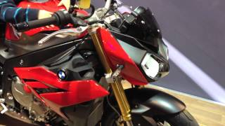 getlinkyoutube.com-2015 BMW S1000R CARBON AKRAPOVIC edition & Racing Red