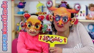 getlinkyoutube.com-Stoopido! Caras locas!! Juego de mesa en SUPERDivertilandia.