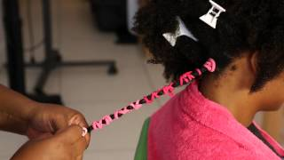 getlinkyoutube.com-Stretching Natural Hair | Banding Method