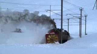 getlinkyoutube.com-Switzerland - RhB Steam Snow Blower - Steam power only, 2011