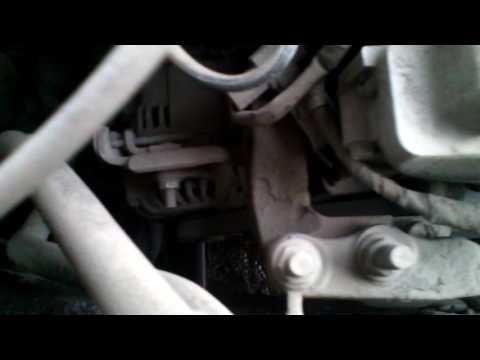 Где в Mazda 5 находится водяной насос