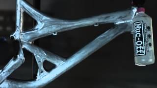 getlinkyoutube.com-Pimp my bike - specialized demo 8 wrapping bike wrap