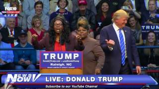 "getlinkyoutube.com-FNN: Donald Trump Meets The Notorious Diamond and Silk - Self Described ""Black Trump Supporters"""