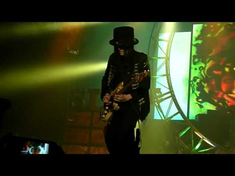 Motley Crue - Primal Scream (Live @ The M.E.N Arena, Manchester, UK, Dec 2011) [HD]