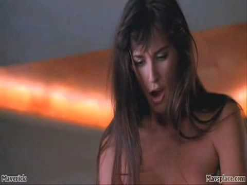 Demi Moore Striptease 04