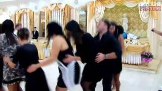 getlinkyoutube.com-funny prikol dansul pinguinului 3