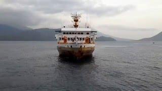 getlinkyoutube.com-Detik detik kapal penumpang besar merapat yang hampir menabrak