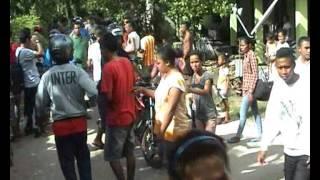 getlinkyoutube.com-KUPANG CYPOX BRIMOB GADUNGAN DI TANGKAP 01