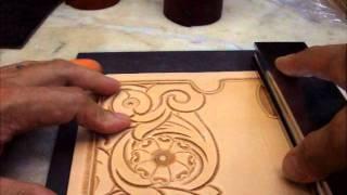 getlinkyoutube.com-KubotaCraft 2011.09 Wallet carving 3rd step for beveling & Thumbprint(pear shader)