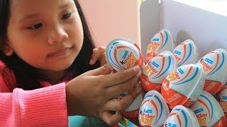 Kinder Surprise Eggs: Unboxing Kinder Joy Surprise Toys