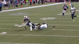 Earl Thomas hits Rob Gronkowski