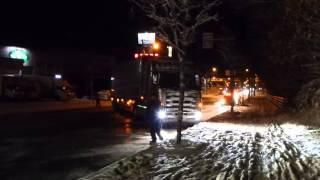 getlinkyoutube.com-トレーラーヘッド 凍結路面にてスリップ ビミョーな登り道を登れない・・・ 国道36号線封鎖