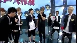 getlinkyoutube.com-[ENG SUB] 130927 EXO China Big Love Concert Pepero Game Cut