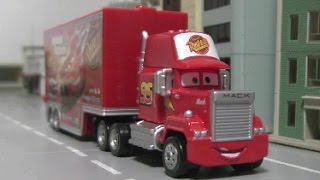 getlinkyoutube.com-Disney Cars Mack Truck Toys 디즈니 카 맥 트럭 장난감