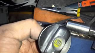 getlinkyoutube.com-Corsa - Cambio De Bombillos Calefacción y Cenicero