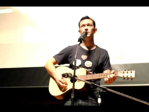 Joseph Gordon-Levitt sings Any Day Now at hitRECord WashU