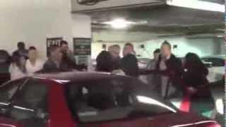 getlinkyoutube.com-Crazy fight in parking lot!!!